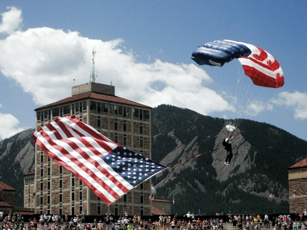 The Bolder Boulder pays tribute to the armed forces and their service to our country on Memorial Day.